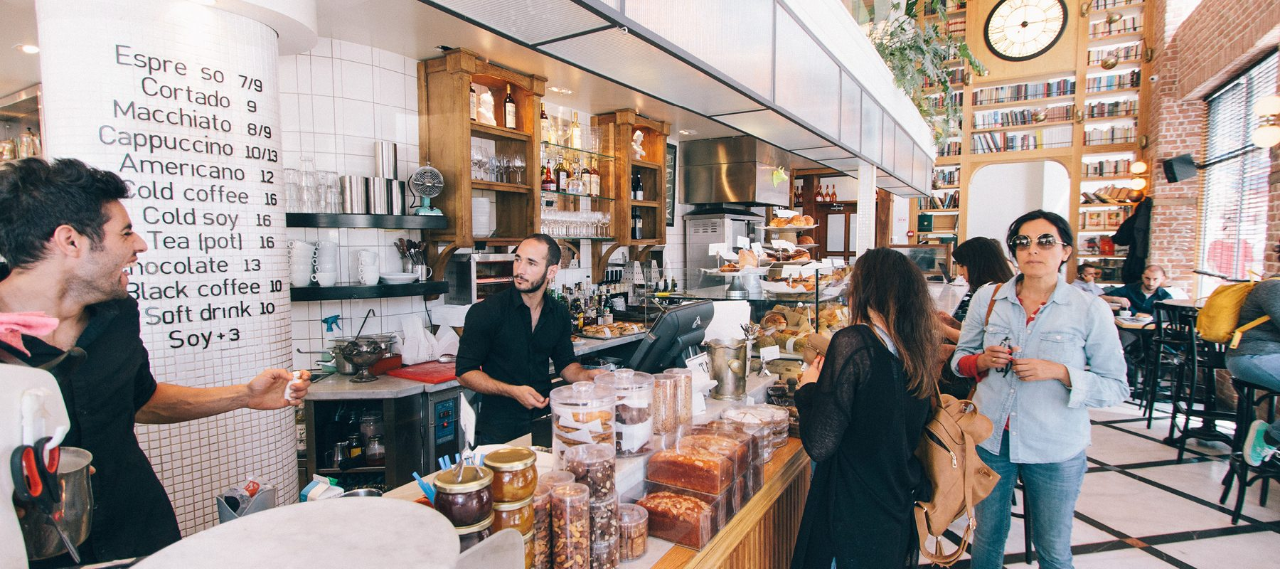 How to attract more customers to your cafe or restaurant